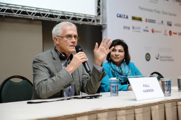 Palestra de Paul Hawken sobre a tendência das construções ecológicas. Foto: Divulgação
