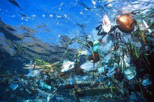 Lixo no mar