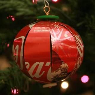 Bolas de Natal de lata