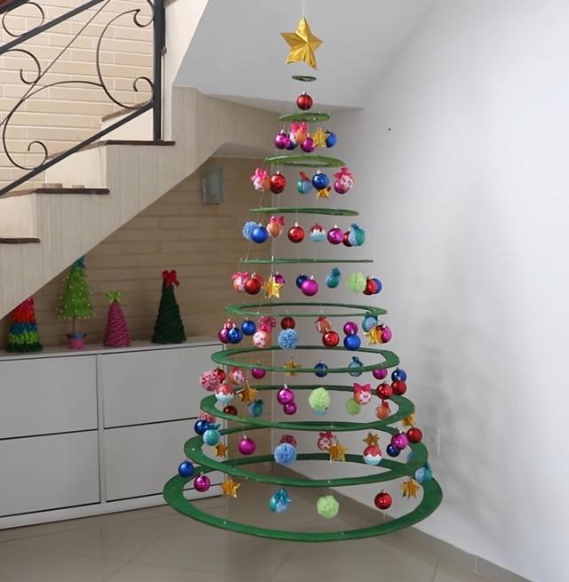 Faça Você Mesmo Monte Sua Própria árvore De Natal Usando Papelão