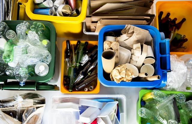 foto de lixos e resíduos recicláveis
